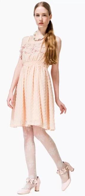 浪漫花边连衣裙