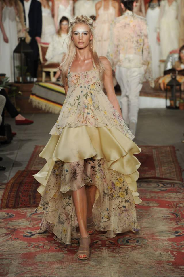时髦新娘这样穿 !纽约婚纱周上的30件最美嫁衣