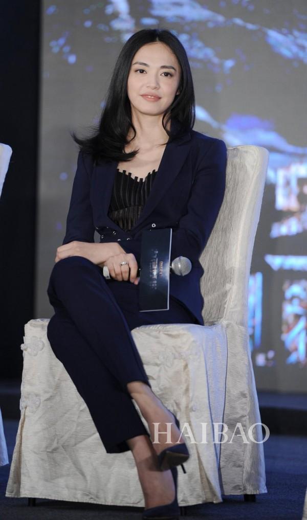姚晨亮相电影《鬼吹灯之九层妖塔》上海发布会
