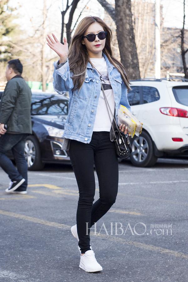 组合成员金泫雅2月13日韩国kbs电视台外明星街拍