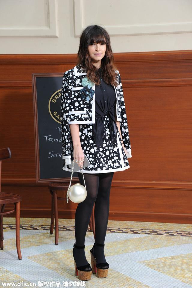 穿衣榜:小KK撞衫众女星 黑白雪花套装到底有多潮?