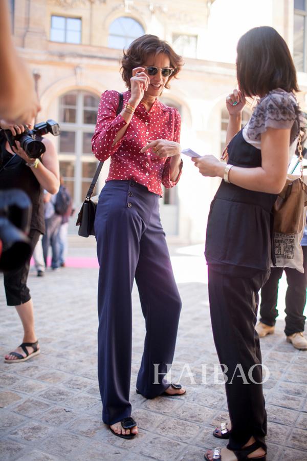 法国超模伊娜・德拉弗拉桑热 (Ines de la Fressange) 2015秋冬高级定制时装周秀场外街拍