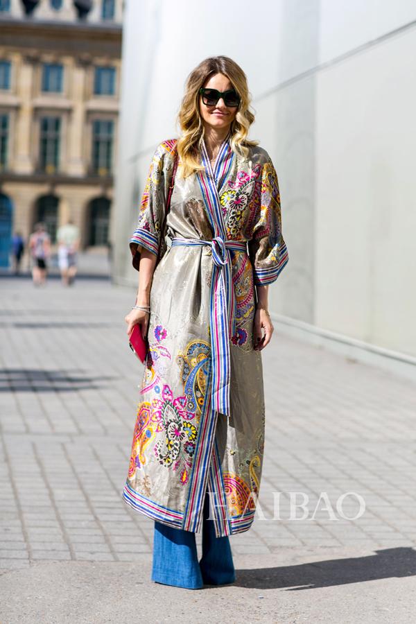 《Vogue》杂志俄罗斯版时尚编辑兼造型师Ekaterina Mukhina 2015秋冬高级定制时装周秀场外街拍