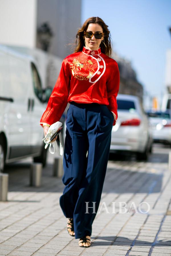 《Vogue》杂志土耳其版时尚编辑&造型师Ece Sukan 2015秋冬高级定制时装周秀场外街拍
