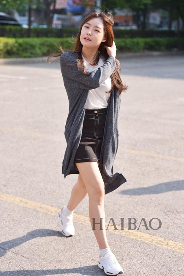 中国服装网 时尚资讯 搭配 韩国女明星街拍之偶像组合专场:秀智清爽最