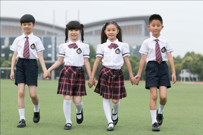 安阳市第六中学校服_从伊顿纪德看中国校服的\