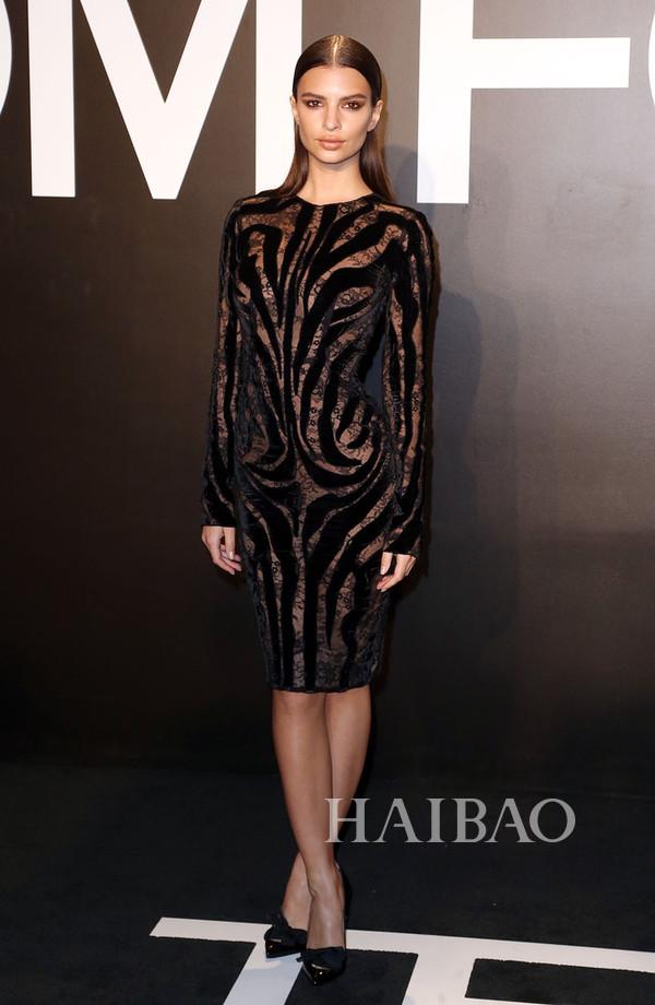 艾米丽·拉塔科夫斯基 (Emily Ratajkowski) 亮相汤姆·福特 (Tom Ford) 2015秋冬系列女装发布会