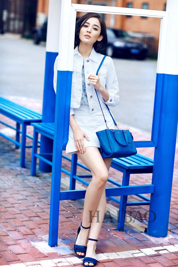 古力娜扎穿coach粉色皮草白裙舒适的搭配声明:以上迪丽热巴vs
