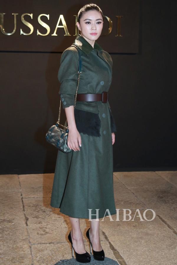 田海蓉现身2016春夏米兰时装周楚萨迪 (Trussardi) 秀场