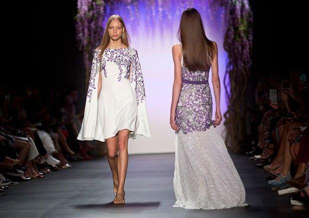 """品牌 tadashi shoji的""""魔法礼服""""终于来中国啦    远远望去,紫藤花正"""