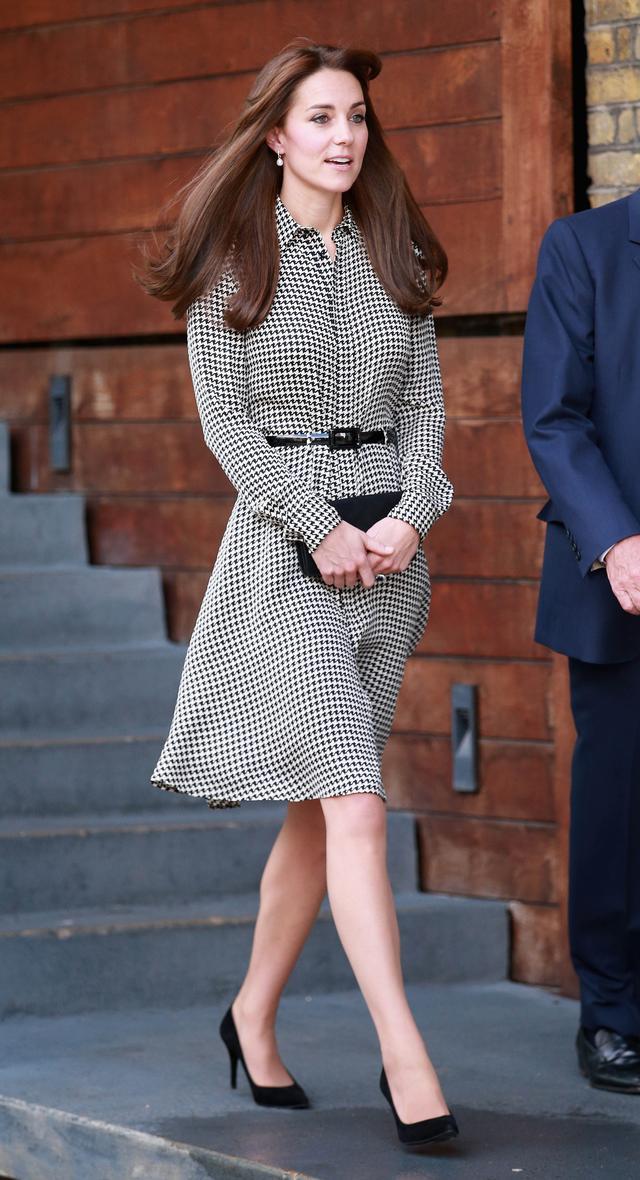 今天穿什么:凯特王妃都穿千鸟格了 你呢?