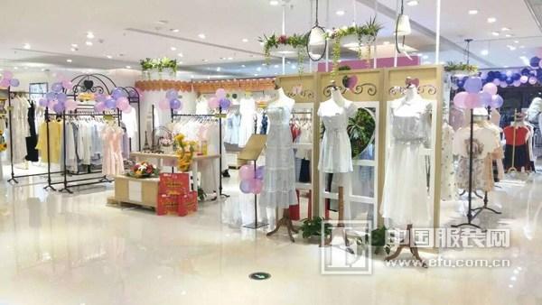 莉雅莉萨江西南昌新店闪亮登场 可爱甜美风值得拥有