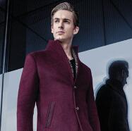 步西尼西装外套:冬季的绅士精神