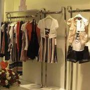 服装店铺提高顾客忠诚:为其塑造良好形象