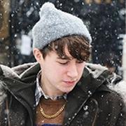 2016秋冬男装周街拍:颜值不够 帽子来凑