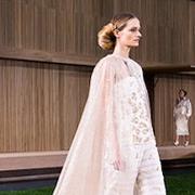 巴黎高级定制时装周:最精致的裙子都来自巴黎