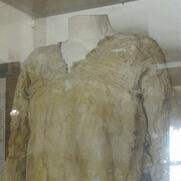 埃及古墓现最古老连衣裙,堪比高级定制服装