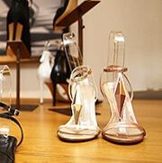 如何让一双Made in China的鞋子更洋气?