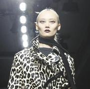 Bottega Veneta 2016秋冬米兰时装秀上的优雅裙角