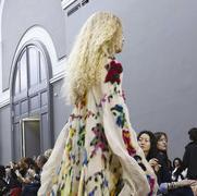 蔻依 (Chloe) 2016秋冬巴黎时装秀 翩跹而至的旅人