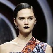 迪奥 (Dior) 2016秋冬巴黎时装秀,优雅的猎奇师