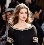 巴黎时装周:Chanel 带你回到昔日高级定制沙龙