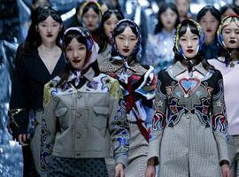 做印花最拿手的设计师来了中国 受够性冷淡风的你该认识下她