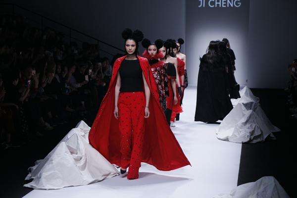 """JI CHENG上海时装周埋伏神""""兽""""类大咖"""