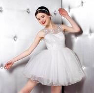 悠媤莉:白天鹅的纯洁与黑天鹅的优雅 你都可以拥有