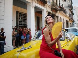 透过Chanel这场度假秀 你会看到整个古巴的灵魂
