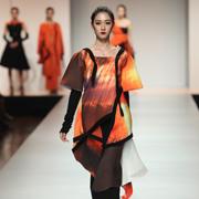 2016中国(广东)大学生时装周DAY1:中山职业技术学院服装设计毕业作品展演