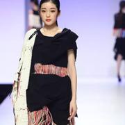 2016中国(广东)大学生时装周︱华南理工大学设计学院服装设计毕业作品展演