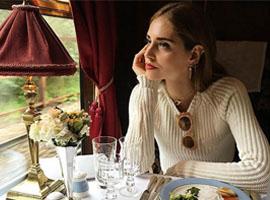 Dior去英国走早春秀 从开场前就全是戏!