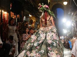 正确打开Dolce&Gabbana 2016秋冬高定秀需要几步