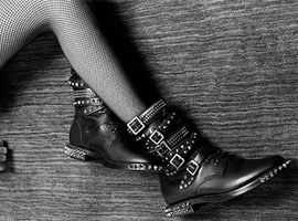 听说这品牌换创意总监了 我赶紧买了双鞋作纪念