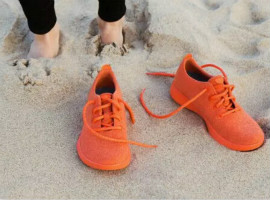 这双羊毛做的环保球鞋可以直接扔到洗衣机里洗