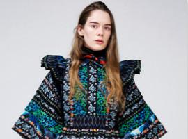 歌手Anna演绎KENZO x H&M设计师合作系列