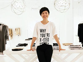 主持人文怡跨界时尚圈 牵手小虫推服饰品牌