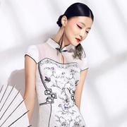 华姿韵旗袍,带你领略素雅的时尚!