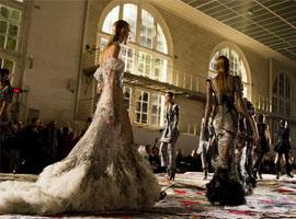 Alexander McQueen 2017春夏巴黎时装秀
