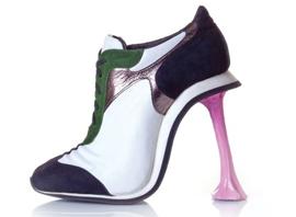 设计师Kobi Levi鬼马鞋履俘获Lady Gaga等众女星