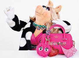 """Kate Spade牵手时尚""""猪小姐""""率先感受圣诞欢乐气氛"""