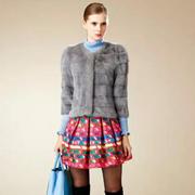 卡缇国际女装 新古典主义的浪漫中释放着低调奢华