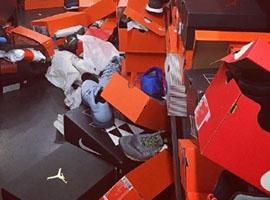 """""""黑五""""期间北美的Nike Outlet如同被""""洗劫"""""""