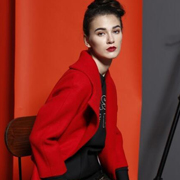 艾露伊时尚资讯:冬季出门这么穿 没有理由不吸睛