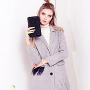 斯妲黛莎演绎:高领毛衣+呢外套的时尚搭配!