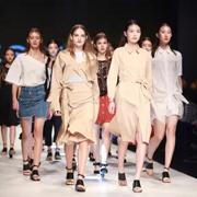 LESIES 蓝色倾情 杭州国际时尚周 2017S/S系列发布!