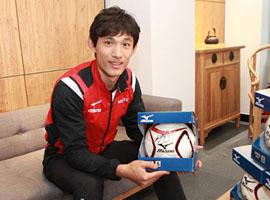 王燊超签运动品牌球鞋美津浓 成首位代言人
