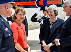 英国首相首登美国版Vogue封面 在英国炸开了锅