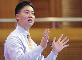 刘强东:京东全面转型成技术驱动型公司 实现智能化
